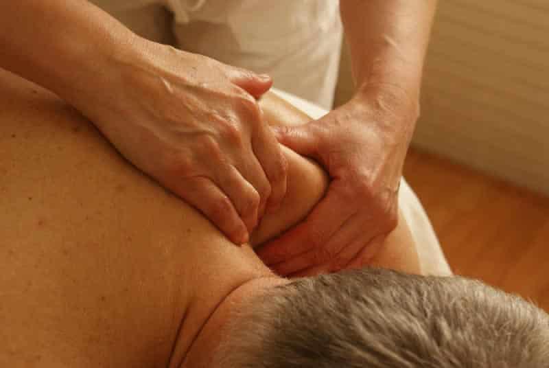 Imparare i massaggi con un corso professionale a Napoli